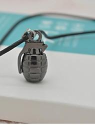colares dos homens de granadas
