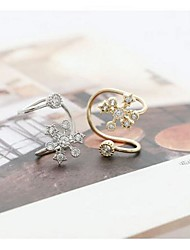 Tina -- Fashion Alloy Snow Ear-hoop in Daily