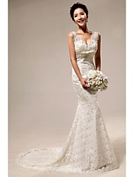 Trumpet/Mermaid Court Train Wedding Dress -V-neck Lace