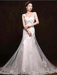 Trumpet / Mermaid Wedding Dress Court Train Straps Tulle with