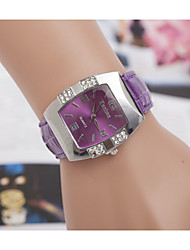Women's Watches Trends in Europe And America with The Barrel Shaped Casual Leather Strap Watch