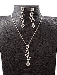 GROUP Women's Wild New Fashion Diamond Crystal Necklace Earring Set