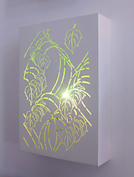 White painted metal wall lamp