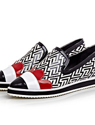 Women's Shoes Leather Flat Heel Comfort/Novelty/Pointed Toe Fashion Sneakers Outdoor/Casual Black/Multi-color