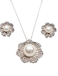 A Set Of 1 Lobster Claw Clasp Blossoms Necklace and 2 Earrings with 18k Gold Plating Alloy and Shell Pearl