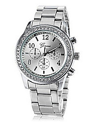 Women's Round Diamante Case Steel Band Analog Quartz Fashion Watch (Assorted Colors)