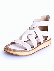 женская обувь из микроволокна плоский комфорт каблук / круглый носок / открытые босоножки пальца ноги платье черный / белый