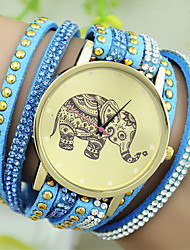 Women's European Style Fashion Rhinestone Rivets Elephant Pattern Bracelet Watch Cool Watches Unique Watches