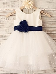 Princess Knee-length Flower Girl Dress - Cotton Tulle Scoop with Flower(s) Sash / Ribbon