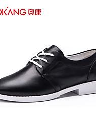 Zapatos de mujer Cuero Tacón Bajo Comfort/Punta Redonda/Punta Cerrada Sneakers a la Moda Boda/Exterior/Oficina y Trabajo/Casual