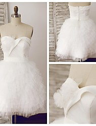 A-line Wedding Dress Knee-length Sweetheart Satin / Tulle with Tiered
