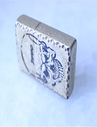 briquets métalliques ancienne de la tête d'or principale personne crânienne classique de la marque internationale