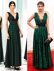 TS Couture Prom / Military Ball / Formal Evening Dress - Dark Green Plus Sizes / Petite A-line V-neck Floor-length Lace / Taffeta