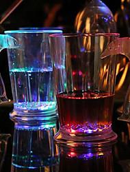 8 * .9.7cm 280мл Рождественские красочные вспышки света стеклопластик индукции стакана воды, чтобы пролить свет Светодиодная лампа 1шт