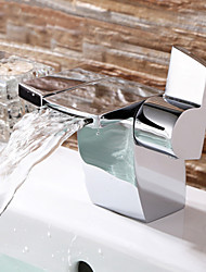 Deck Mounted Two Handles One Hole in Chrome Bathroom Sink Faucet