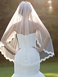 Wedding Veil One-tier Fingertip Veils Lace Applique Edge With Comb Scallop Veil Wedding Bridal Veil