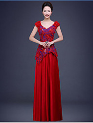 Formal Evening Dress Ball Gown V-neck Floor-length Chiffon / Lace with Appliques / Beading / Lace / Sash / Ribbon