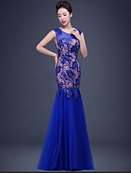 Formal Evening Dress Trumpet / Mermaid V-neck Floor-length Lace / Tulle / Sequined withCrystal Detailing / Flower(s) / Lace / Pearl