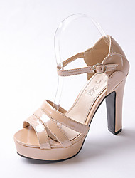 Women's Shoes Patent Leather Chunky Heel Peep Toe / Platform Sandals Wedding / Party & Evening  / Silver / Almond
