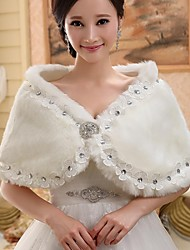 Fur Wraps / Hoods & Ponchos / Wedding  Wraps Capelets Sleeveless Faux Fur White Wedding / Party/Evening Off-the-shoulderButton /