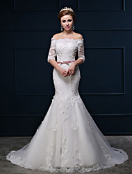 Trumpet / Mermaid Wedding Dress Court Train Bateau Lace / Satin / Tulle with Beading / Flower / Lace
