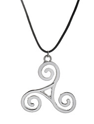 Europen Style Antique Silver Alloy Triskele Pendant Necklace