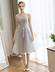 Tea-length Lace / Tulle Bridesmaid Dress A-line Scoop with Appliques