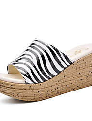 Women's Shoes Leather Wedge Heel Wedges / Creepers / Slippers Sandals / Slippers Casual Black and White