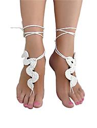 la mode forme incurvée crochet cobweb motif bijoux de cheville de femmes aux pieds nus des sandales