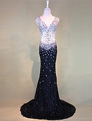 Mermaid / Trumpet V-neck Court Train Tulle Formal Evening Dress with Beading