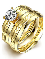 lureme® Two Lines Golden Plated Stainless Steel with Dots and Big Zircon Ring
