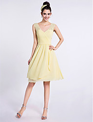 2017 Lanting Bride® Knee-length Chiffon / Lace Bridesmaid Dress - A-line V-neck with Criss Cross