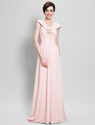 Sheath / Column Plus Size / Petite Mother of the Bride Dress Floor-length Sleeveless Chiffon with Flower(s) / Criss Cross