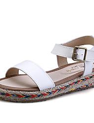 женская обувь из кожи плоский каблук Комфорт / круглые сандалии пальца ноги платье черный / белый