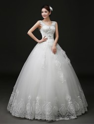 2017 Ball Gown Wedding Dress Floor-length V-neck Lace / Tulle with Appliques / Beading / Lace