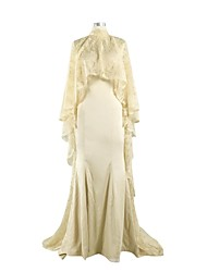 Trumpet / Mermaid Mother of the Bride Dress Court Train Lace / Charmeuse with Lace