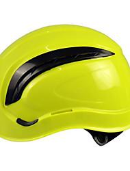 um capacete de segurança