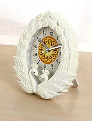 (Случайный цвет) восстановление древних путей лебедь целующуюся часы будильник спальня