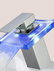 Contemporâneo Difundido LED with  Válvula Cerâmica Monocomando e Uma Abertura for  Cromado , Torneira pia do banheiro