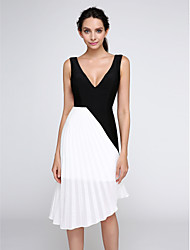 TS Couture® Cocktail Party Dress - Color Block A-line V-neck Knee-length Chiffon / Jersey with Side Draping
