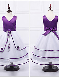 Ball Gown Tea-length Flower Girl Dress - Organza / Satin Sleeveless V-neck with Flower(s) / Lace / Tiers