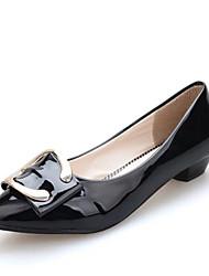 Damen-Flache Schuhe-Kleid / Lässig / Party & Festivität-Lackleder-Flacher Absatz-Komfort / Stifelette / Boot / Spitzschuh / Modische