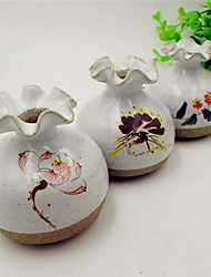 Ceramic Vase Hydroponic Mini Flower Holder Painted Lotus Elegant Ornaments (Random Pattern)