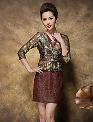 Gaine Robe Femme Sortie / Grandes Tailles Sophistiqué,Couleur Pleine / Jacquard Col en V Au dessus du genou Manches ¾ Or Polyester
