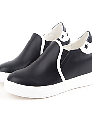 Women's Flats Spring / Summer / Fall Round Toe PU Outdoor / Office & Career / Casual Low Heel