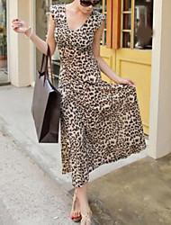 Женское макси платье с леопардовым принтом