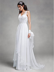 2017 Lanting Bride® A-line Wedding Dress Sweep / Brush Train V-neck Chiffon / Lace with Lace