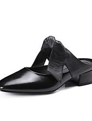 Mujer-Tacón Bajo-Confort Talón Descubierto-Zuecos y pantuflas-Oficina y Trabajo Vestido Fiesta y Noche-Cuero-Negro Blanco