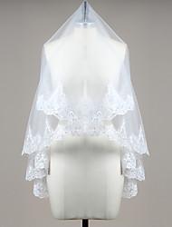 Hochzeitsschleier Einschichtig Gesichts Schleier / Fingerspitzenlange Schleier Spitzen-Saum Tüll