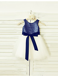 A-Line Knee Length Flower Girl Dress - Tulle Sequined Sleeveless Scoop Neck with Sequin